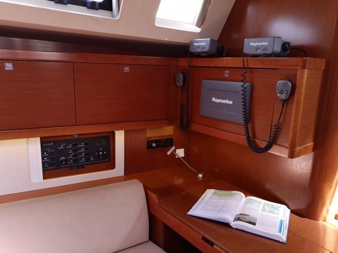 Beneteau-Oceanis-45-7