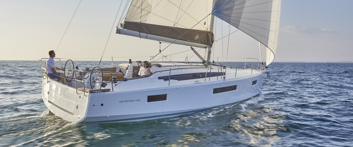 SY-Jeanneau-Sun-Odyssey-410-1