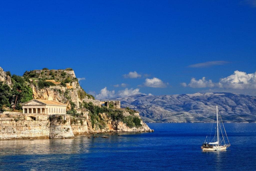 Sailing-from-Corfu-1